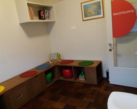 Praktijkruimte te huur voor gesprekstherapie, consultaties in de sociale en/of medische sector.
